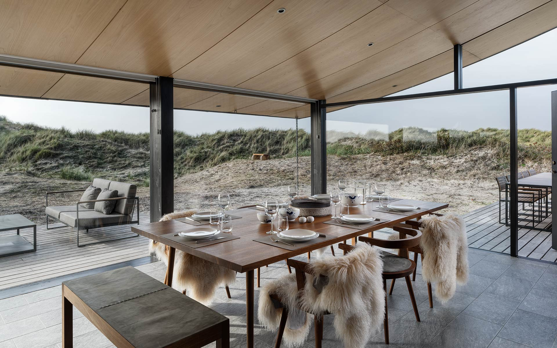 Summer House on Fanø, Denmark. Interior design by Tollgård Design Group. Architect: Knud Holscher