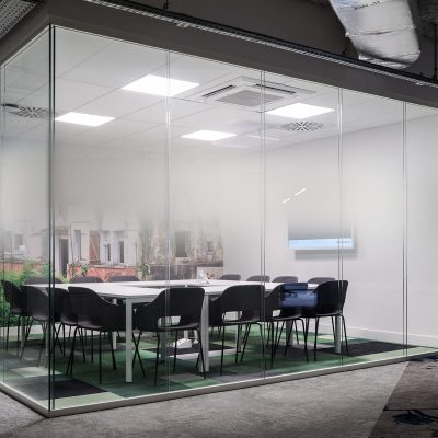 Meeting room. Booking.com. Tourcoing, Lille, France. Agilité Solutions.
